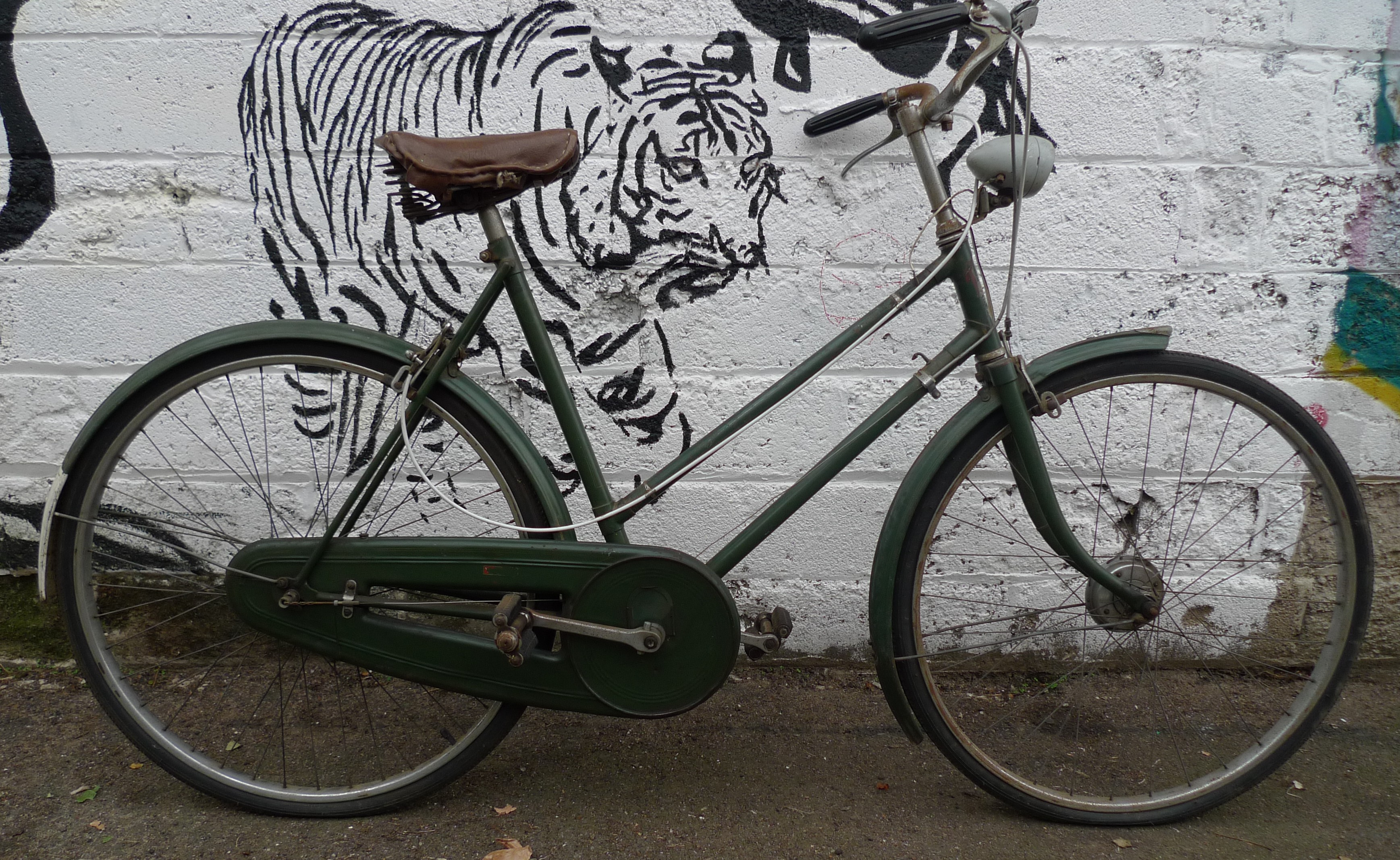 Cheap old fashioned bikes 56
