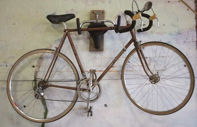 A beautiful Cecil Walker with Campagnolo groupset, this just screams coolness..