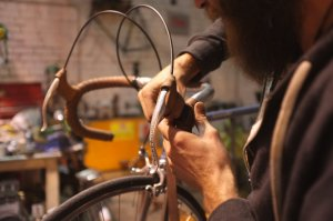 Custom leather bar tape for the Gazelle build... And a special mention to Dan's beard!