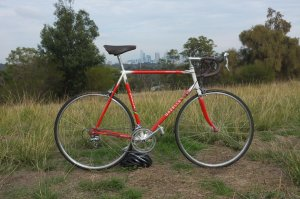 Reynolds 531 Gazelle built with Shimano 600 Ultegra groupset. Featuring Melbourne's skyline – nice pic, Dan (and sweet build too!)