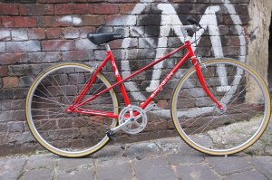 Another mixte custom build, single speed conversion finished up and now riding the streets of old Melbourne town. M for Mottainai!